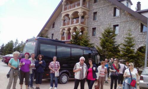 pred hotelom Hajdučke vrleti